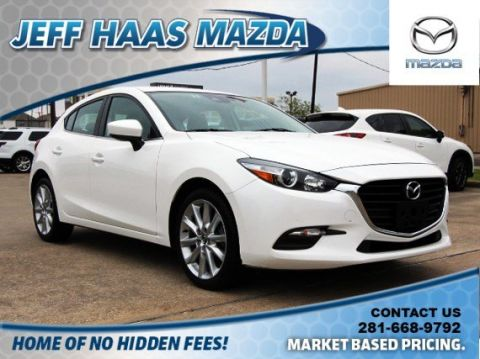 Pre-Owned 2017 Mazda3 5-Door Touring Auto